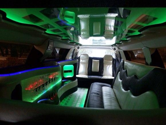 Лимузин черный Chrysler 300C
